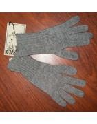 Des gants et des écharpes, pour l'hiver, mode éco-responsable.